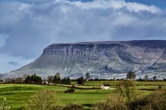 Ben Bulbin Mountain Co Sligo Royaltyfri Bild