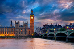 Ben Clock Tower London grande em Thames River fotografia de stock royalty free