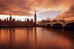 Ben grande, exposición larga, puesta del sol, Londres Reino Unido Foto de archivo libre de regalías