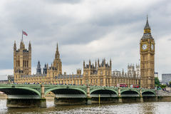 Ben grande y casas del parlamento Imágenes de archivo libres de regalías