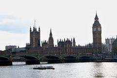 Ben grande y casas del parlamento Foto de archivo libre de regalías