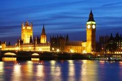 Ben grande y casas del parlamento en Londres Imagen de archivo libre de regalías