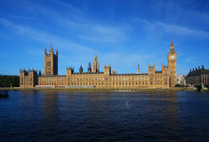 Ben grande y casas del parlamento en Londres Foto de archivo