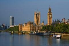 Ben grande y casas del parlamento en Londres Imágenes de archivo libres de regalías