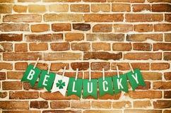BEN het GELUKKIGE banner van letters voorzien Stock Foto's