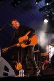 Ben Howard que se realiza en el festival 2014 de la voltereta Fotos de archivo libres de regalías