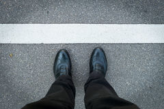 2 ben med skor och textutrymme Royaltyfria Bilder
