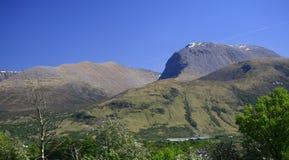 Ben Nevis e MOR Dearg, Scozia, Regno Unito del cairn fotografie stock libere da diritti