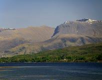 Ben Nevis, MOR Dearg, lago Eil, Scozia, Regno Unito del cairn Immagine Stock