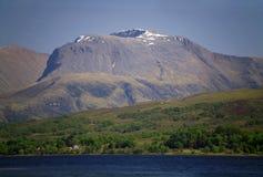 Ben Nevis och fjord Eil, Lochaber, Skottland, UK Royaltyfria Bilder