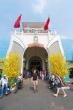 Ben Thanh Market dekorerade för Tet, Saigon Royaltyfri Fotografi