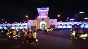 Ben Thanh Market- - Quach Thi Trang-Park vom Hoch am Abend stock video footage