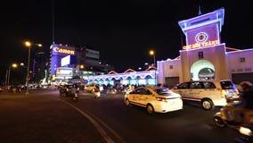 Ben Thanh Market- - Quach Thi Trang-Park vom Hoch am Abend stock footage