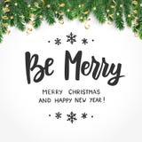 Ben vrolijk, gelukkig nieuw jaar en vrolijke Kerstmistekst Het citaat van vakantiegroeten Sparrentakken en ornamenten Groot voor stock illustratie