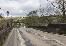 Benadering van Pateley-Brug in North Yorkshire, Engeland, het UK royalty-vrije stock foto's