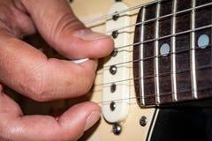Benadering van sommige gitaarkoorden Gitaarmuziek stock foto's