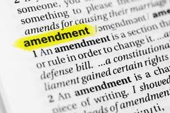 Benadrukt Engels woord` amendement ` en zijn definitie in het woordenboek royalty-vrije stock foto