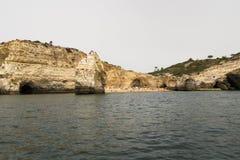 Benagil-Strandhöhlen, Algarve, Portugal Stockbilder