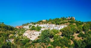 Benahavis à Malaga, Andalousie, Espagne Été Images libres de droits