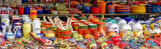 BENALMADENA, ANDALUCIA/SPAIN - 5月9日:市场摊位在Benalmade 免版税库存照片