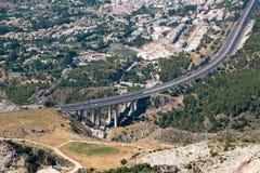 BENALMADENA, ANDALUCIA/SPAIN - 7 DE JULIO: Visión desde el soporte Calamorr imagen de archivo libre de regalías