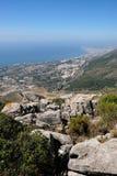 BENALMADENA, ANDALUCIA/SPAIN - LIPIEC 7: Widok od góry Calamorr zdjęcia stock