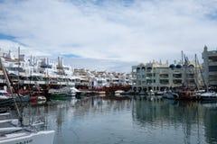 Benalmadena, Malaga, Hiszpania Maj 8, 2019 Portowy Marina z łodziami dokować obraz stock