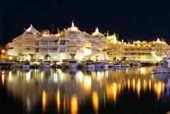 Benalmadena marina przy nocą Fotografia Royalty Free