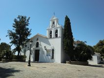 Benalmadena, Spanje 24 juli, 2013: Hoofdvoorgevel van de Kerk van de gemeente van Benalmadena royalty-vrije stock foto
