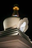 Benalmadena stupa夜视图 库存照片