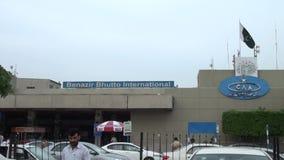 Benazir Bhutto International Airport em Islamabad, Paquistão video estoque