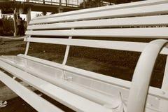 Bench en jardín Imagen de archivo
