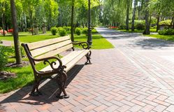 Bench in the local park Royalty Free Stock Photos