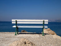 Bench near the sea Royalty Free Stock Photos