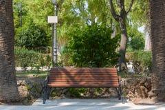 Bench nei giardini pubblici Iblei, Ragusa fotografia stock libera da diritti