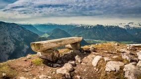Bench nella cima del picco del perdente, le alpi, Austria, Europa Fotografia Stock Libera da Diritti
