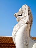benchamabophit狮子雕塑wat 库存图片