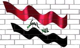 Bendera Irag en pared de labrillos. La bandera de Irag incluye las tres franjas roja, blanca y negra horizontales iguales de la bandera de la Liberación árabe Royalty Free Stock Image