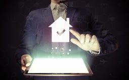 Bene immobile, acquisto online, affitto Fotografie Stock