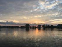 Beneden in de rivier stock fotografie