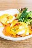 benedict eggs курят семги, котор Стоковое Изображение RF