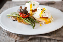 Benedict eggs with asparagus Royalty Free Stock Images