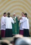 Benedict XVI celebra la massa Immagine Stock Libera da Diritti
