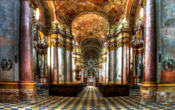 Benedictian-Kirche in Rajhrad Lizenzfreie Stockfotos