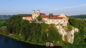 Benedictine αβαείο στον ποταμό Tyniec και Vistula, Κρακοβία, Πολωνία απόθεμα βίντεο