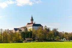 Benedictine priorsklosterAndechs abbotskloster på sjön Ammersee nära Munich i våren, Bayern Tyskland, Europa fotografering för bildbyråer