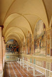 Benedictinen Monte Oliveto Abbey i Tuscany, Italien Arkivbilder