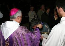 Benedizione del sacerdote alla cattedrale di Palma de Mallorca Immagini Stock