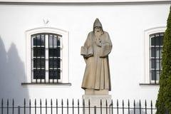 benedykt教会kazimierz新的外部波兰圣徒st雕象城镇华沙 免版税库存照片