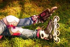 Benen in rolschaatsen Stock Fotografie